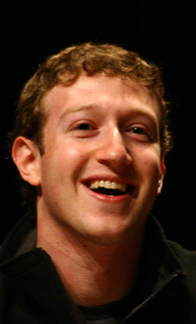 Mark Zuckerberg's Facebook reportedly offered more than $3bn to buy start-up Snapchat
