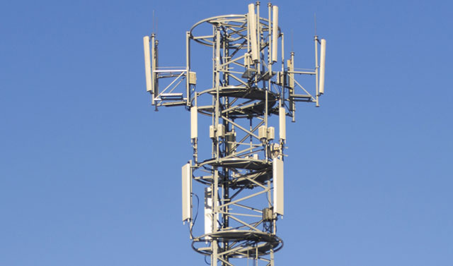 cellular-tower-640